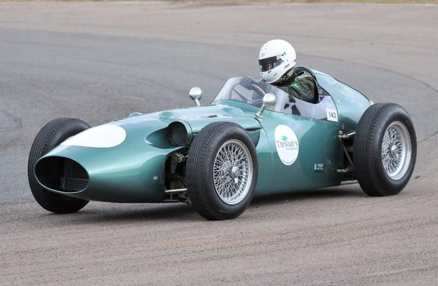 Aston-Martin-berencana-masuk f1-tahun-2016-aston-martin-f1