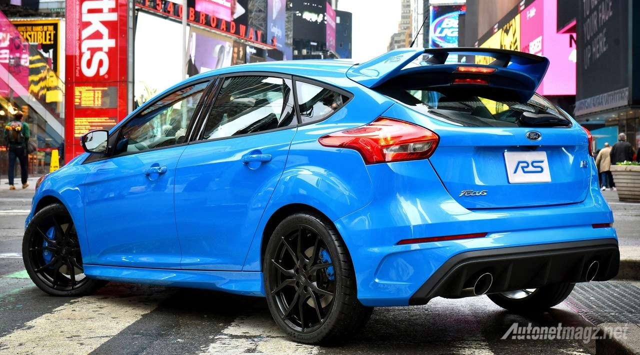 Focus Rs Hp >> Ford Focus Rs Belakang Autonetmagz Review Mobil Dan