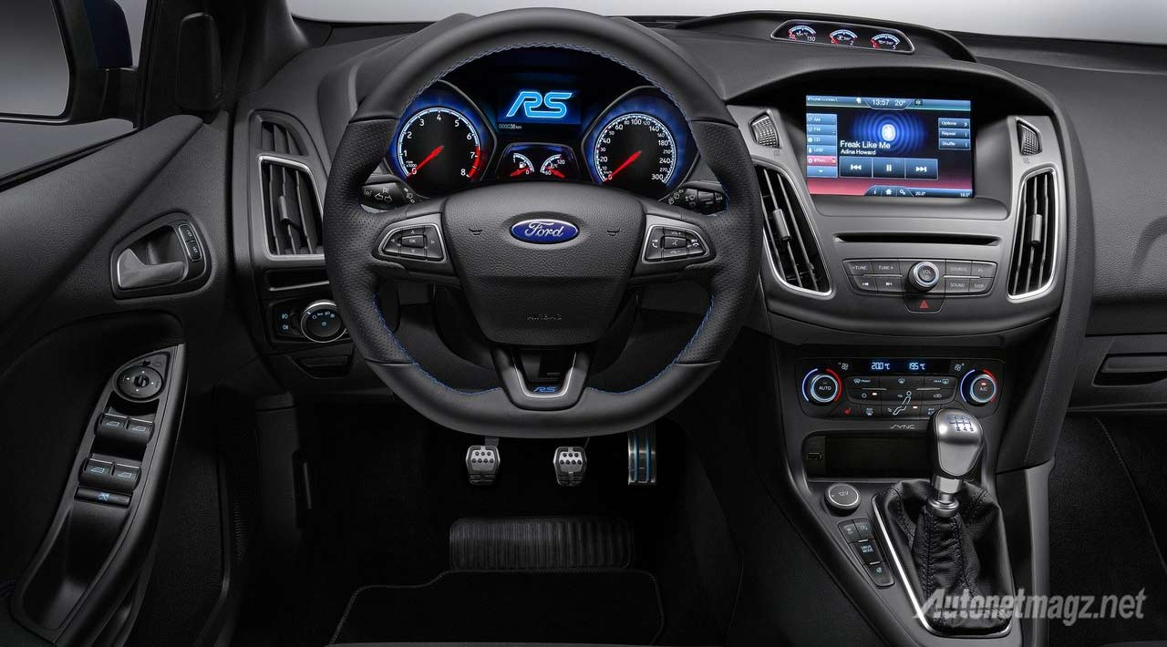 Berita, interior-ford-focus-rs: Ford Focus RS 2016 Memiliki 345 HP, Penggerak AWD dan Mode Drift, Ken Block Wannabe!