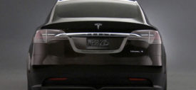 tesla-model-x-falcon-wing-door
