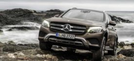 mercedes-benz-glc-class-launched-in-germany-offroad