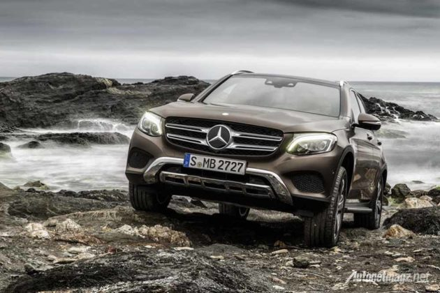 mercedes-benz-glc-class-launched-in-germany-offroad-front