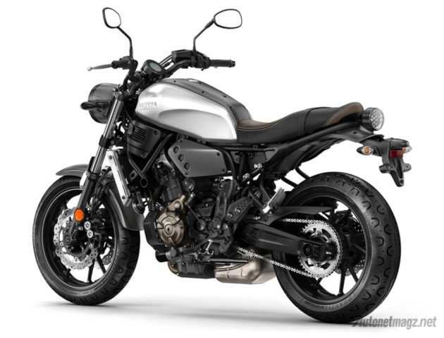 specification-Yamaha-XSR700-back-metal