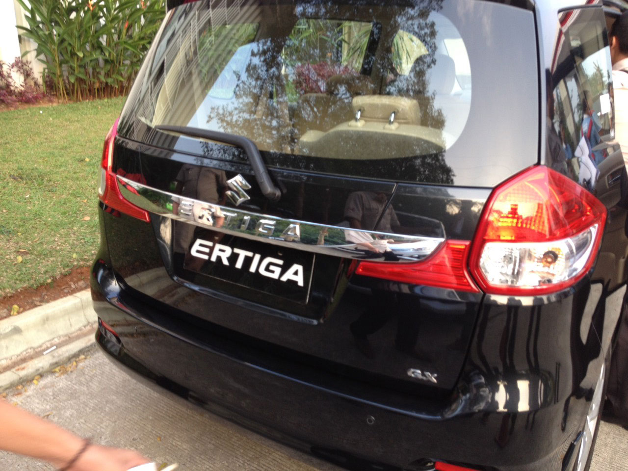 Berita, Rear-Garnish-New-Suzuki-Ertiga-Facelift-2015: First Impression Review Suzuki Ertiga Facelift 2015