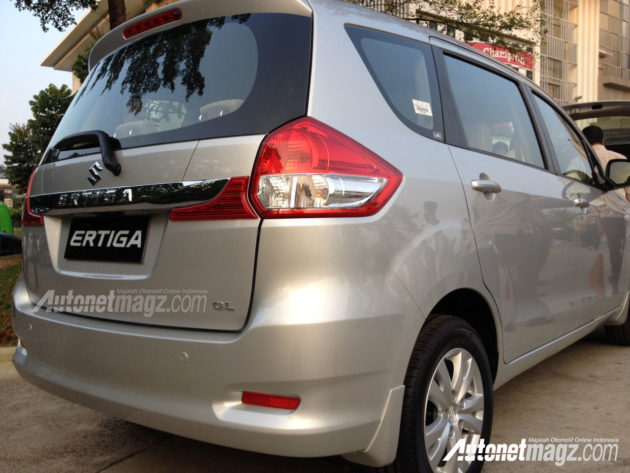 Rear-Reflector-New-Suzuki-Ertiga-Facelift-2015