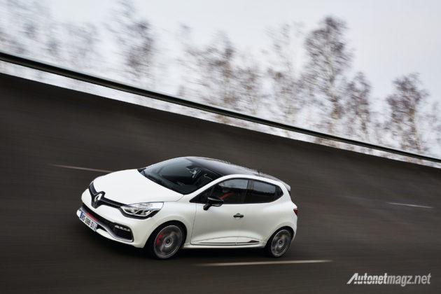 Renault-Clio-RS-220-Trophy-depan-samping