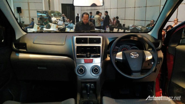 daihatsu-great-new-xenia-interior