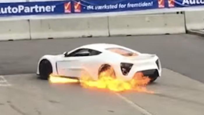 zenvo-st1-terbakar