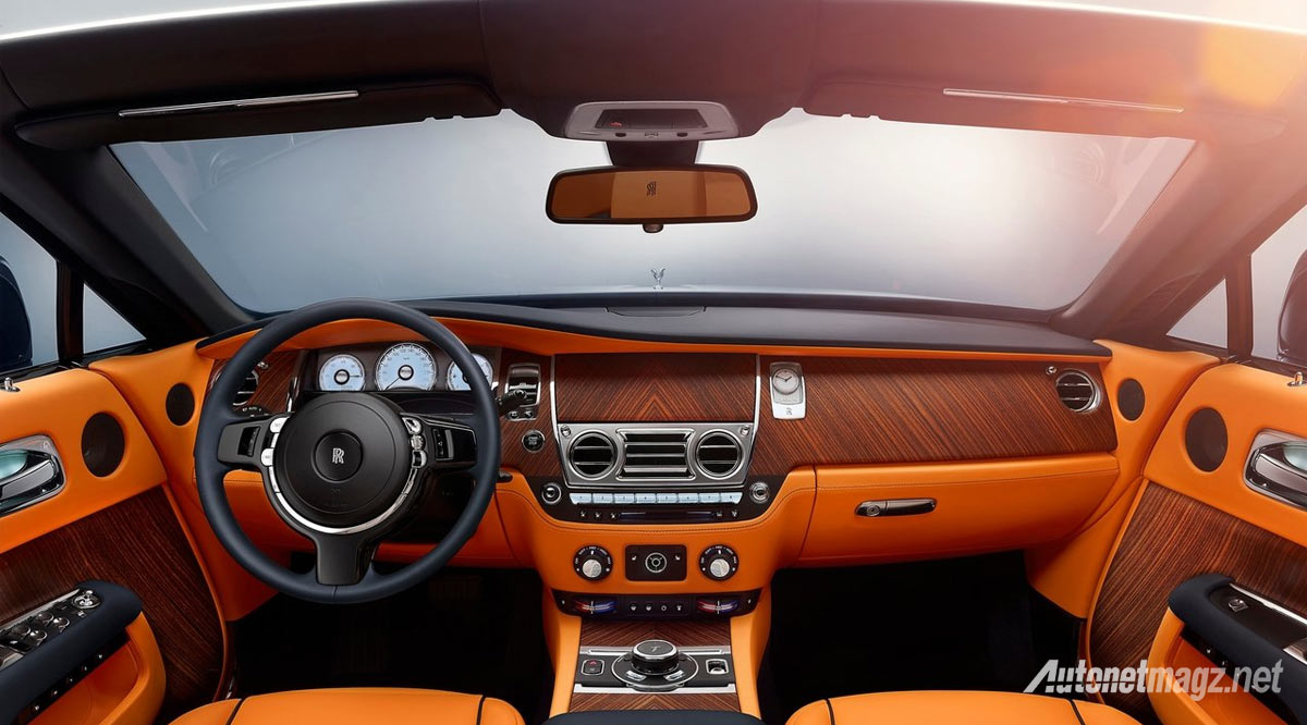 dashboard-rolls-royce-dawn