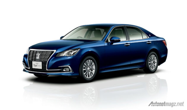 Toyota-Crown-Royal-front