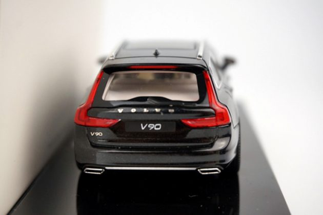 Volvo-V90-2016-diecast-scale-model-back