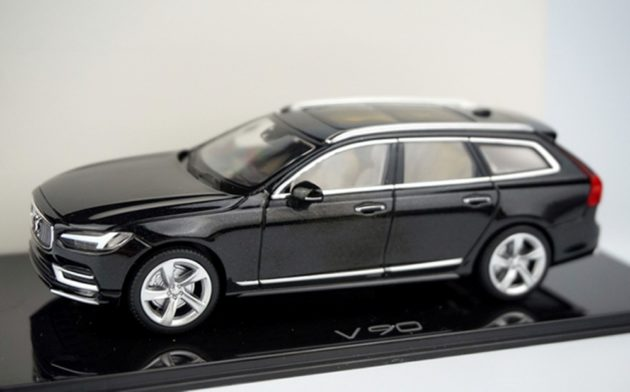 Volvo-V90-2016-diecast-scale-model-front