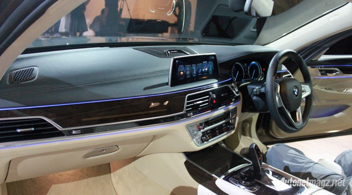 interior-bmw-seri-7