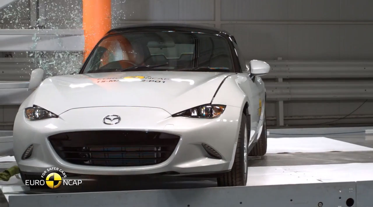 mazda-mx5-crash-test-side-pole-impact