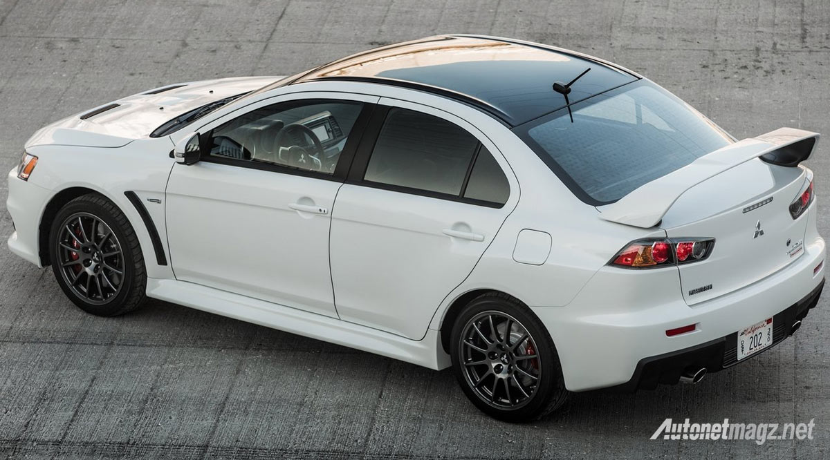 mitsubishi-lancer-evolution-final-edition-top-view