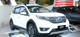 Modifikasi extreme mobil modif di pameran Jakarta Auto Show JAS 2015