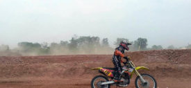tim viar juara balap motocross