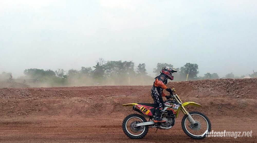 Berita, motor trail viar: Bersama Motor Trail Viar, Crosser Indonesia Dominasi Asian Motocross Championship 2015
