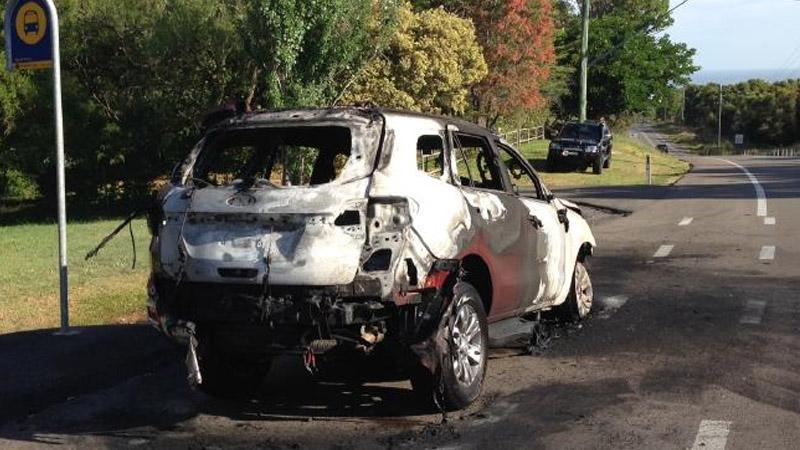 ford everest terbakar api