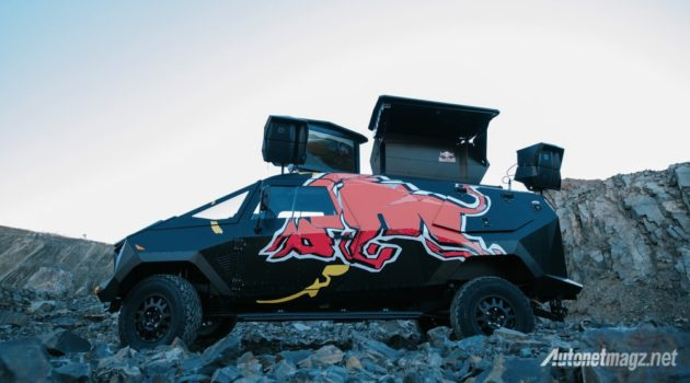 land-rover-red-bull-stealth-f-22-raptor-dj-party