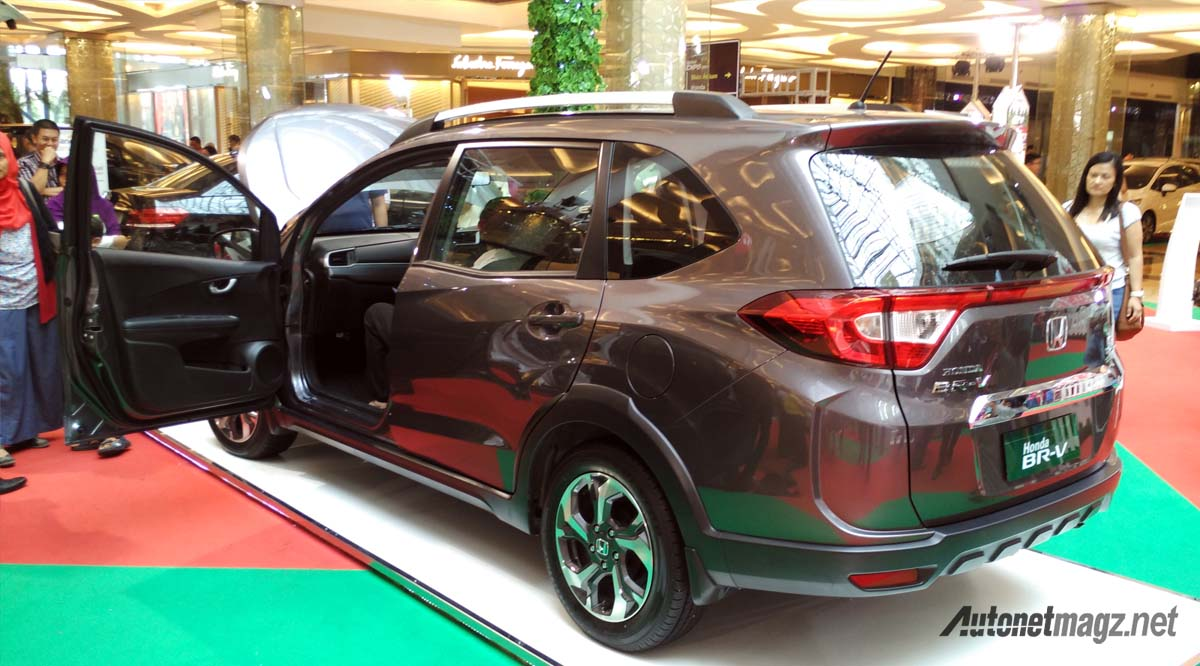 Berita, wallpaper honda br-v belakang: First Impression Review Honda BR-V S Manual