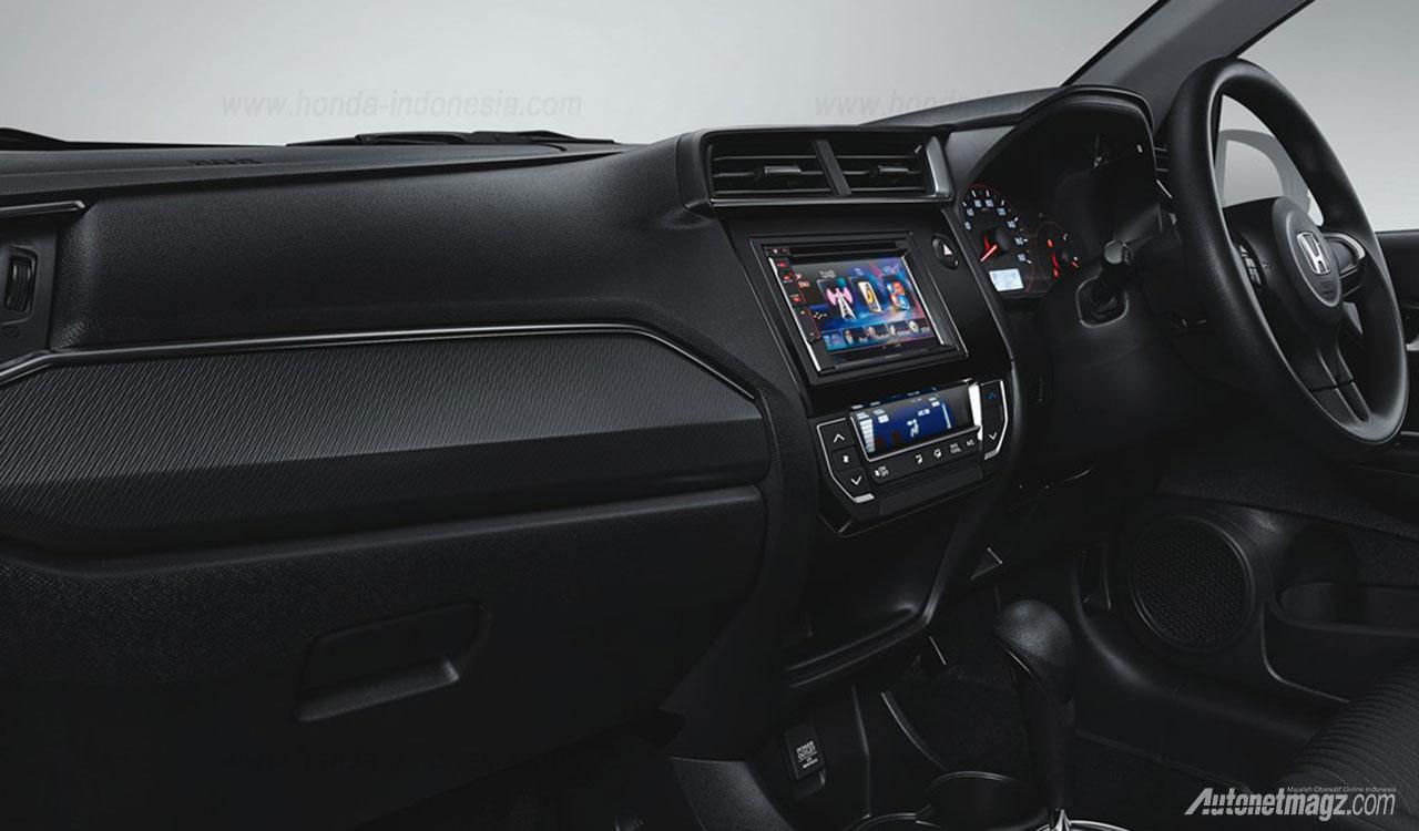 Honda mobilio rs facelift 2016 interior for Interior jazz rs 2017