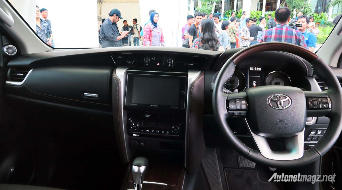 dashboard toyota fortuner 2016 indonesia