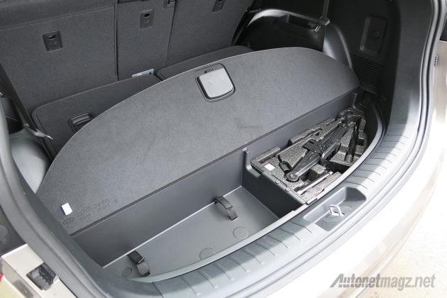 Bagasi tersembunyi dan ruang penyimpanan toolkit Hyundai Santa Fe storage