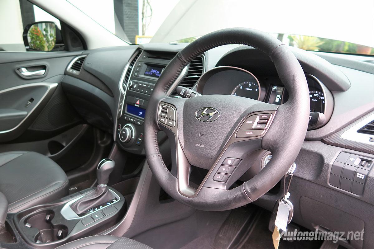 Interior dashboard Hyundai Santa Fe facelift baru 2016