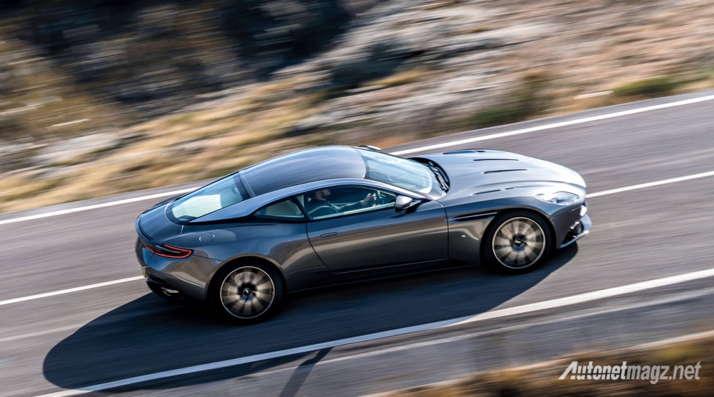 aston-martin-db11-2016-up-side