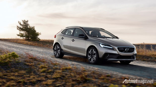 volvo-v40-cross-country-2016-front