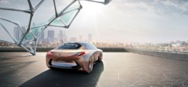 BMW-Vision-Next-100-2016-dashboard