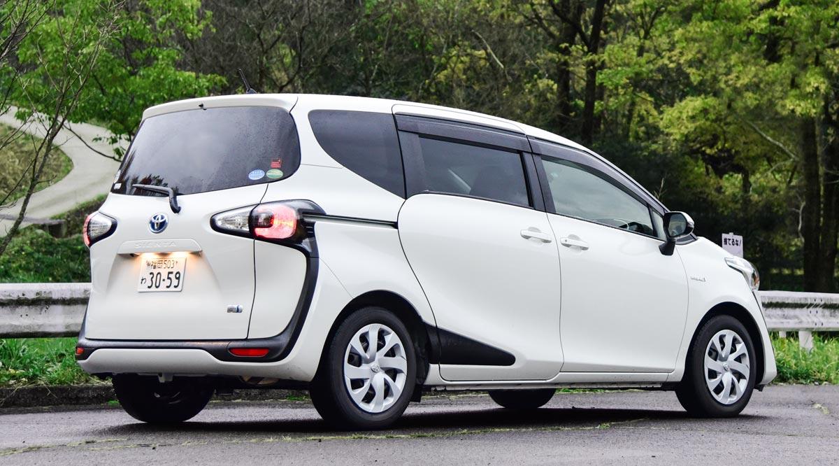 Kekurangan Harga Mobil Toyota Sienta Top Model Tahun Ini