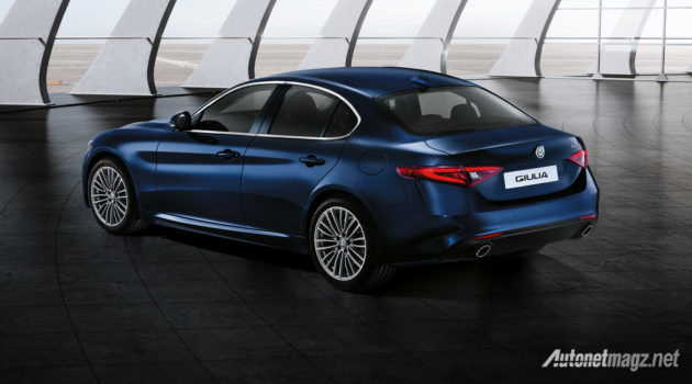 alfa-romeo-giulia-base-model-2016-luxury-rear