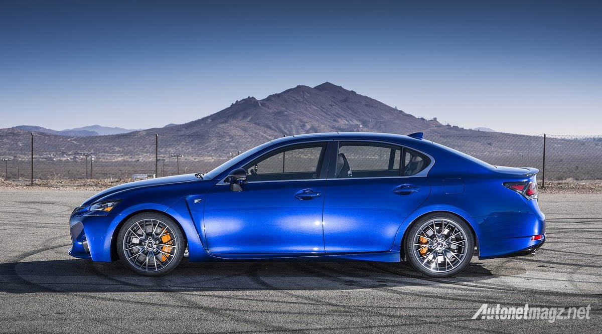 lexus gs-f side