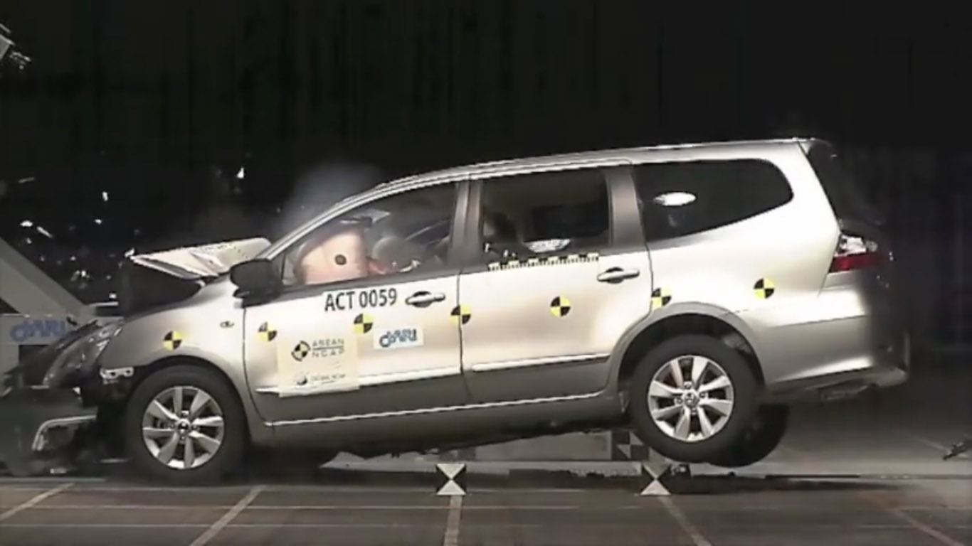 nissan grand livina crash test
