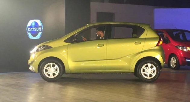 Datsun rediGO side view redi GO rear