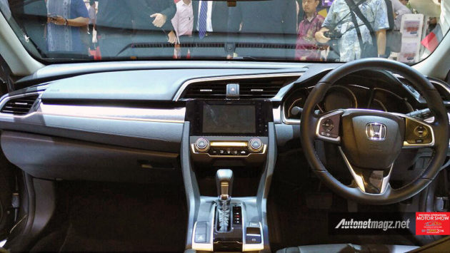 Interior dashboard All New Honda Civic Turbo versi Indonesia