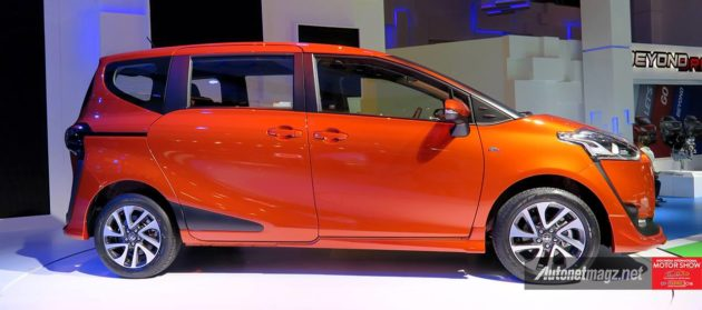 Toyota-Sienta-Samping