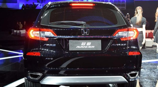 honda-avancier-2016-rear