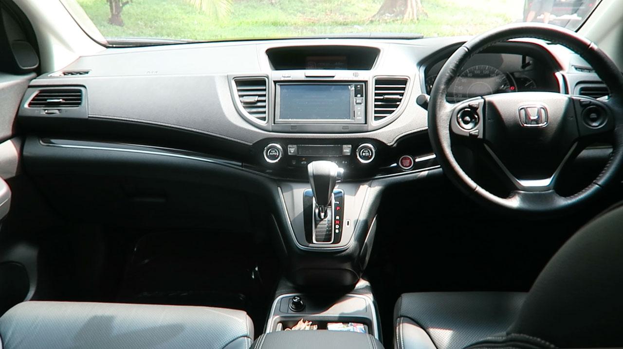 Honda crv interior dashboard facelift autonetmagz for Honda cr v 2013 interior