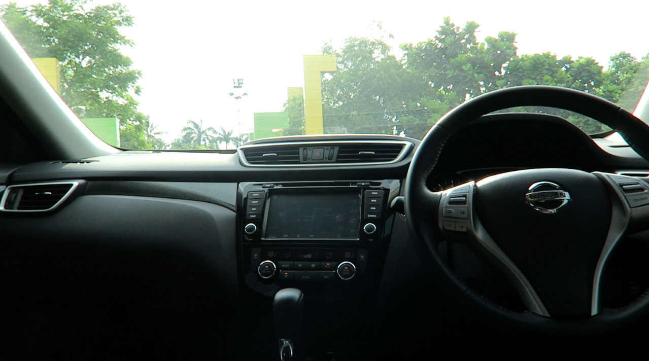 Mobil Baru, Interior-Nissan-X-Trail-Indonesia-Dashboard-cabin: Review Nissan X-Trail 2.5 CVT: Refine and Reasonable
