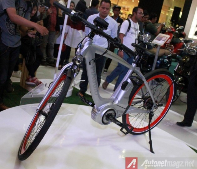 Piaggio-Indonesia-Wi-Bike