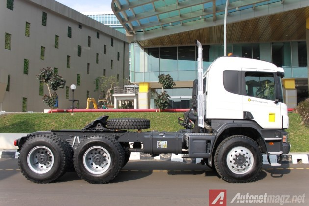 Scania-P460-Side