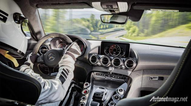 Mercedes-AMG-GT-R-2016-interior