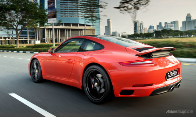 First drive Porsche 911 Carrera S test drive 2016