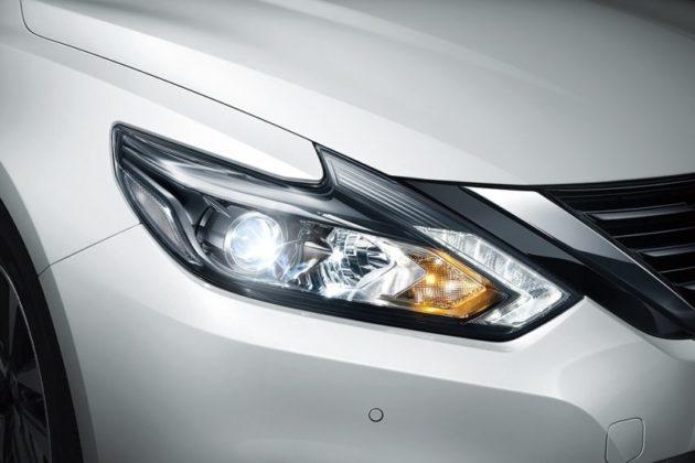 Nissan Teana Lamp