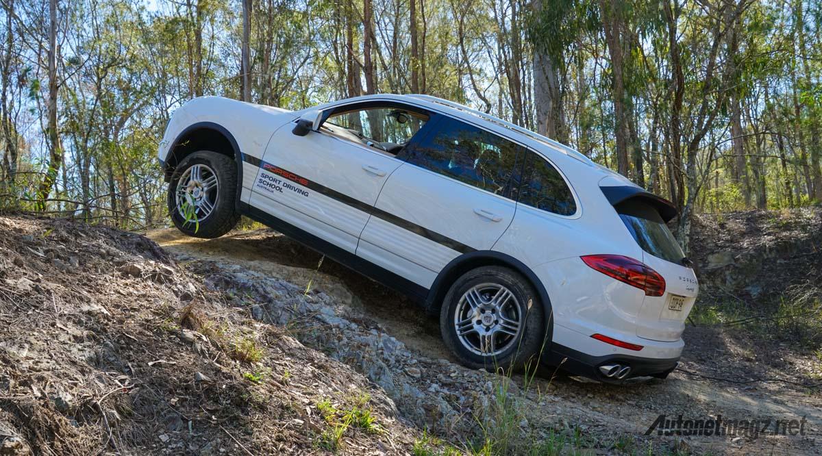Porsche Macan offroad