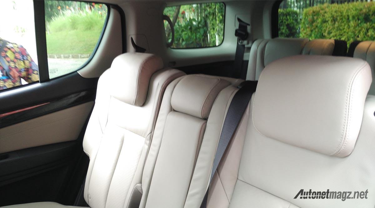 Isuzu MU-X facelift interior