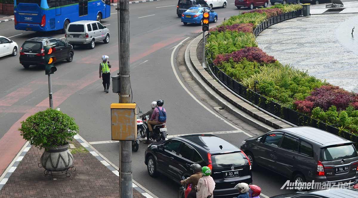 peraturan-di-lampu-lalu-lintas